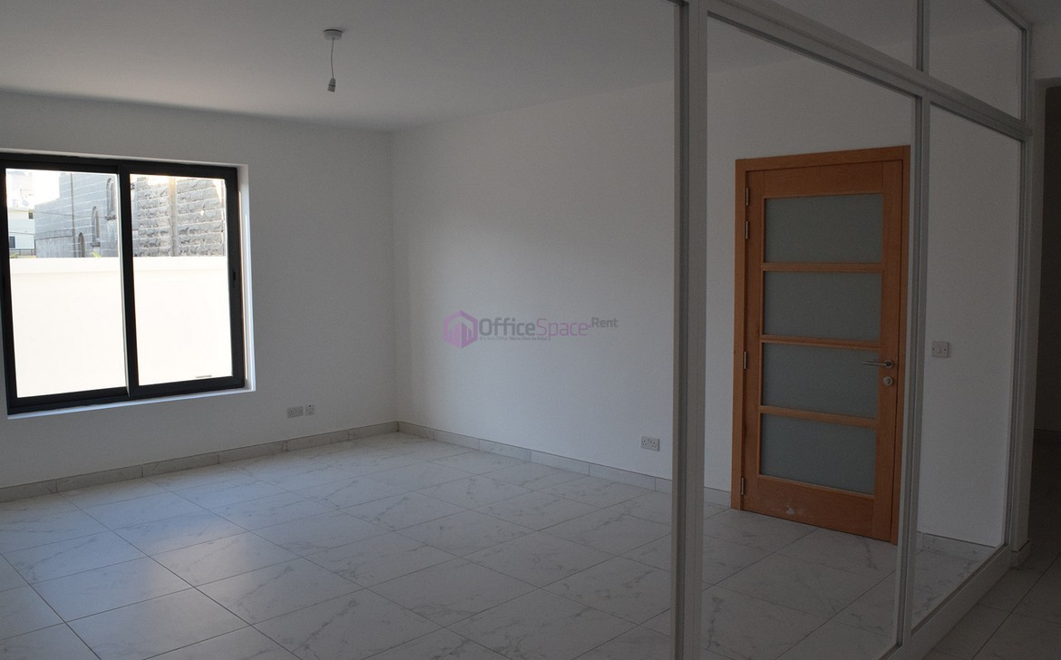 Semi-Detached Villa With Office in Malta