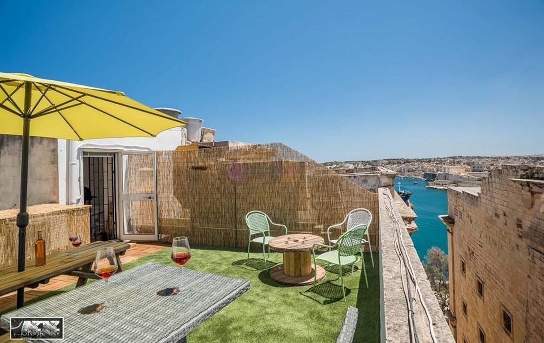 Rent Hot Desks Valletta