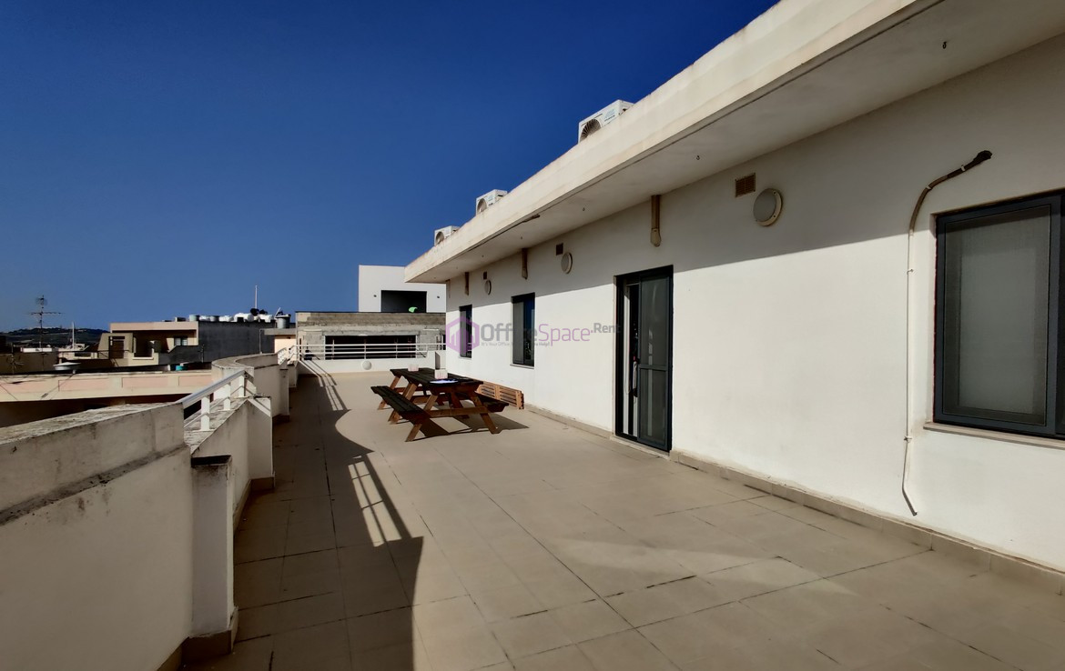 Naxxar Penthouse Office To Let