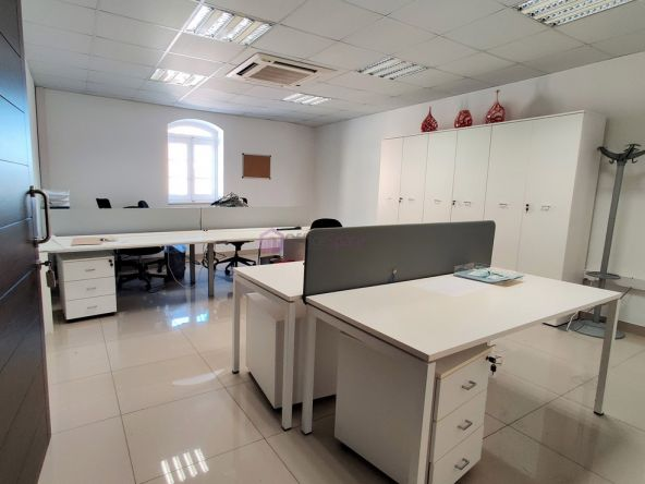 Modern Office To Let in Naxxar