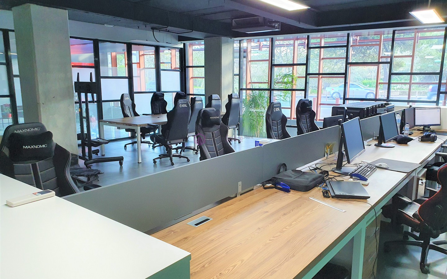 Office To Let in Hal Lija Business Center