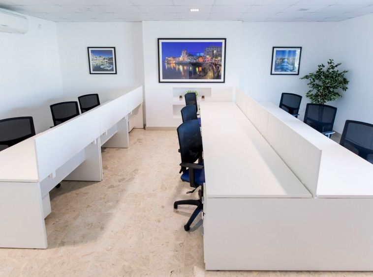 Furnished Seafront Office To Let